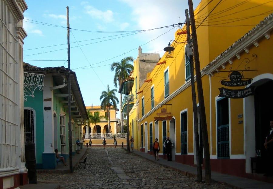 TravelXL-van-Limburg-CUBA-Trinidad-straatbeeld