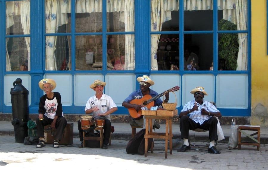 TravelXL-van-Limburg-CUBA-Havanna-straatmuzikanten