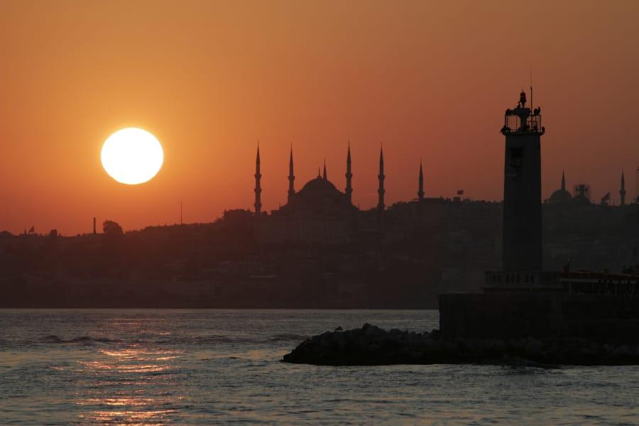TravelXL-van-Limburg-Istanbul-skyline