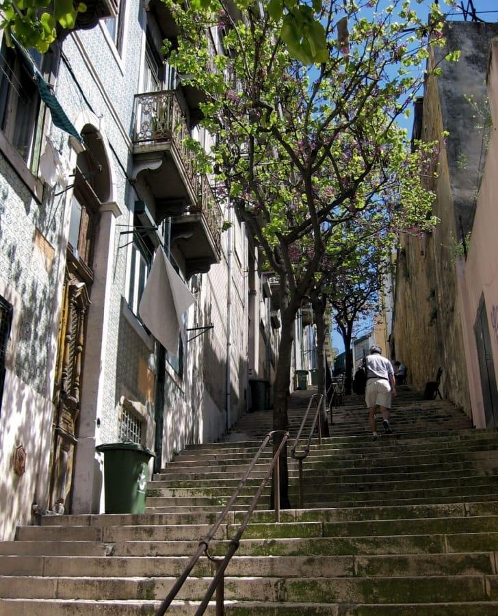 TravelXL-van-Limburg-Lissabon-trappen