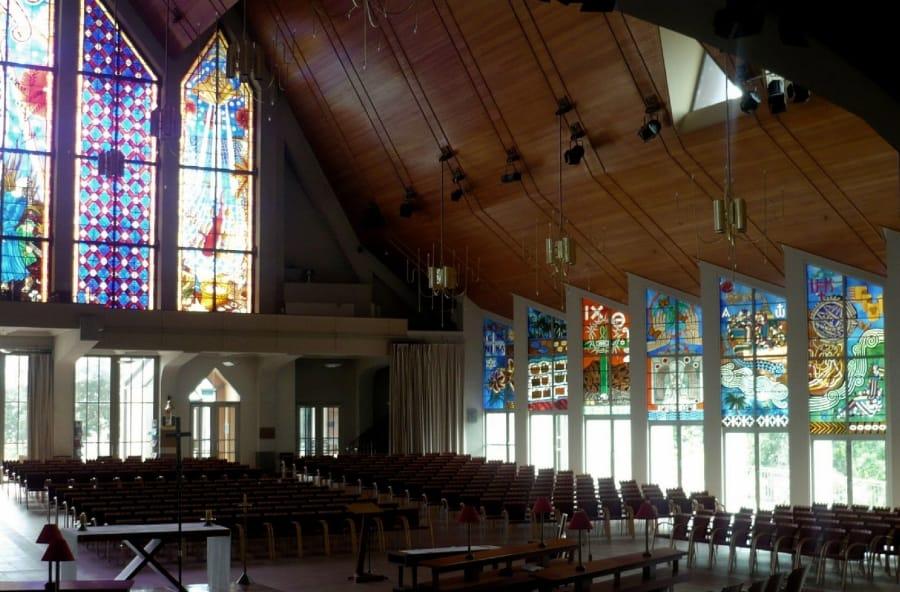 TravelXL-van-Limburg-NIEUWZEELAND-Noordereiland-Kerk-met-glas-in-lood