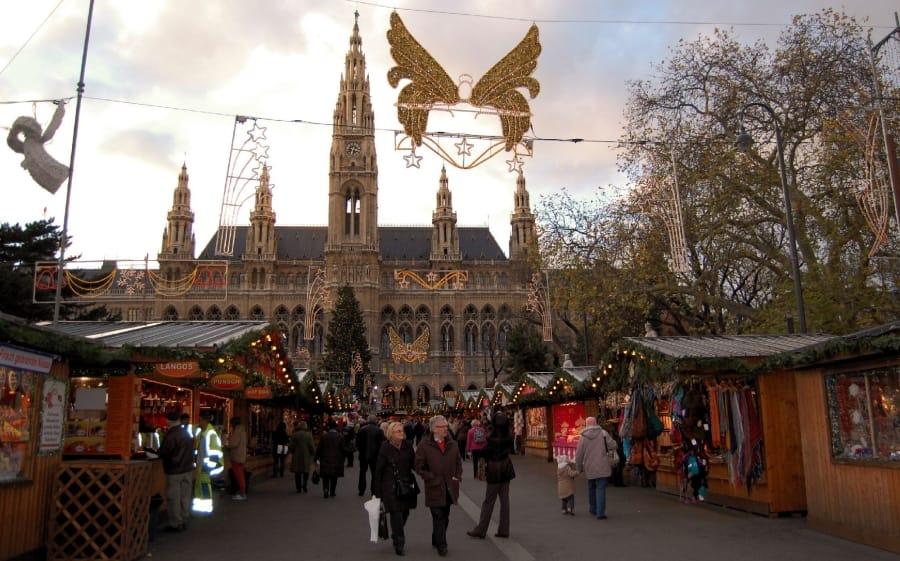 TravelXL-van-Limburg-WENEN-kerstmarkt-rathuisplatz
