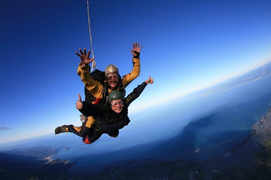 TravelXL-van-Limburg-NieuwZeeland-Zuidereiland-parachute-springen