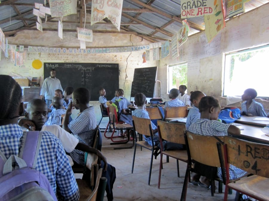 TravelXL-van-Limburg-GAMBIA-Sanyang-schoolbezoek