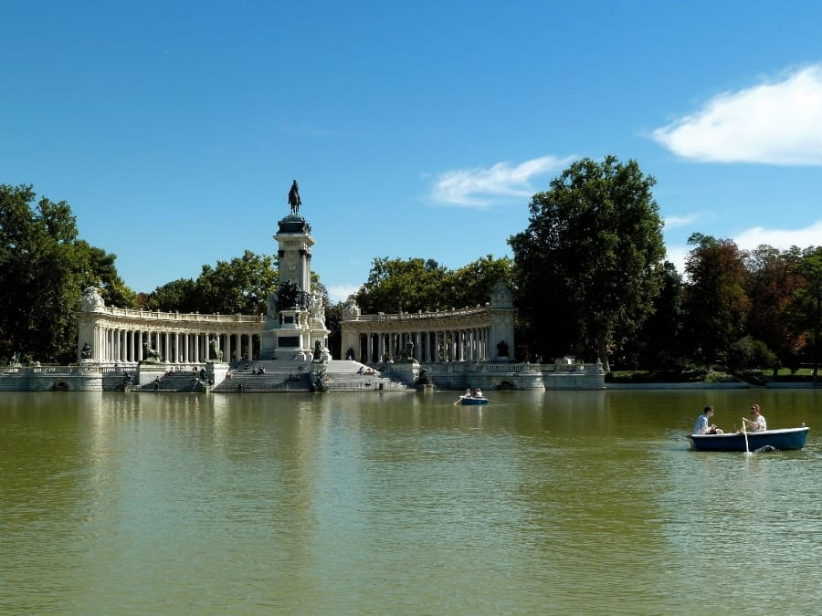 TravelXL-van-Limburg-MADRID-Parque-Retiro-vijver
