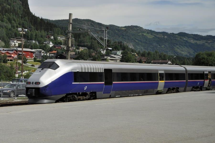 TravelXL-van-Limburg-HURTIGRUTEN-Bergenbaan-trein