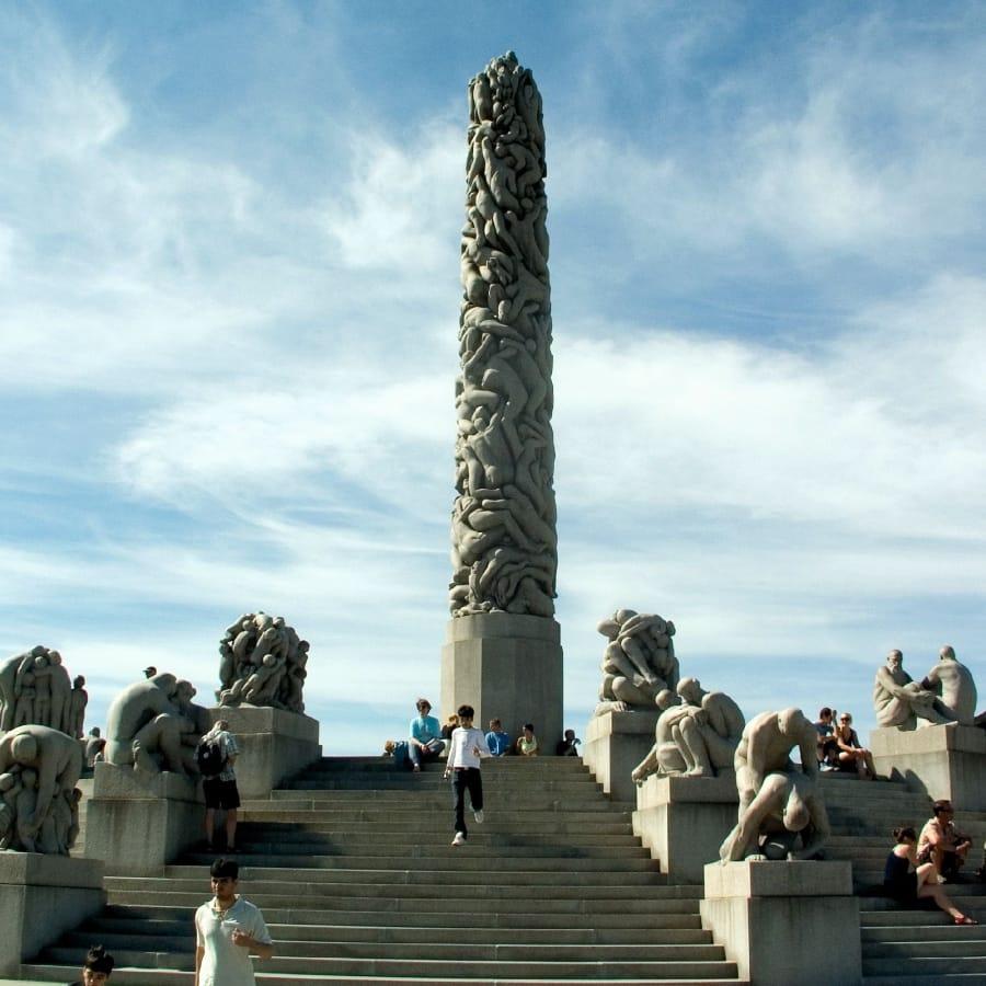 TravelXL-van-Limburg-HURTIGRUTEN-Oslo-Vigeland-beeldenpark