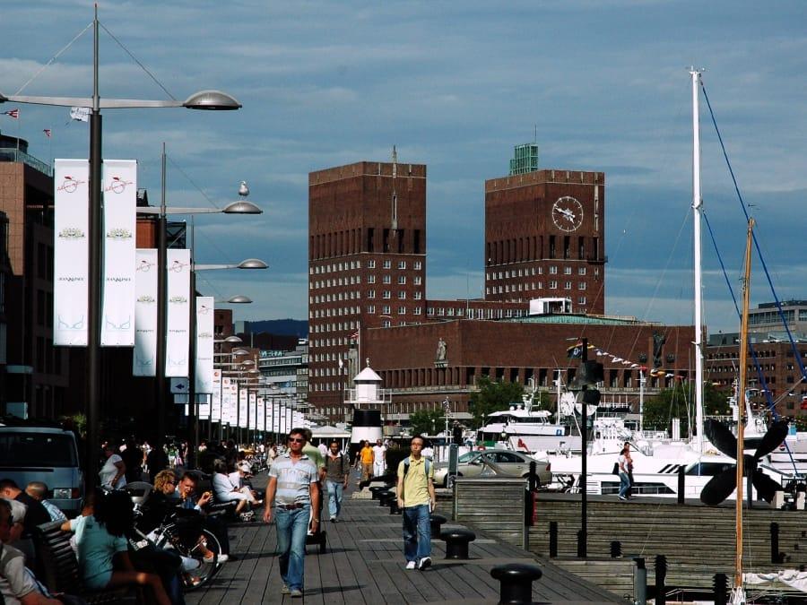 TravelXL-van-Limburg-HURTIGRUTEN-Oslo-AkerBrygge