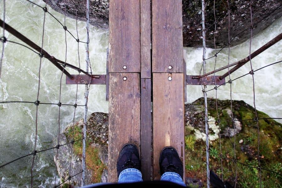 TravelXL-van-Limburg-NOORWEGEN-hangbrug