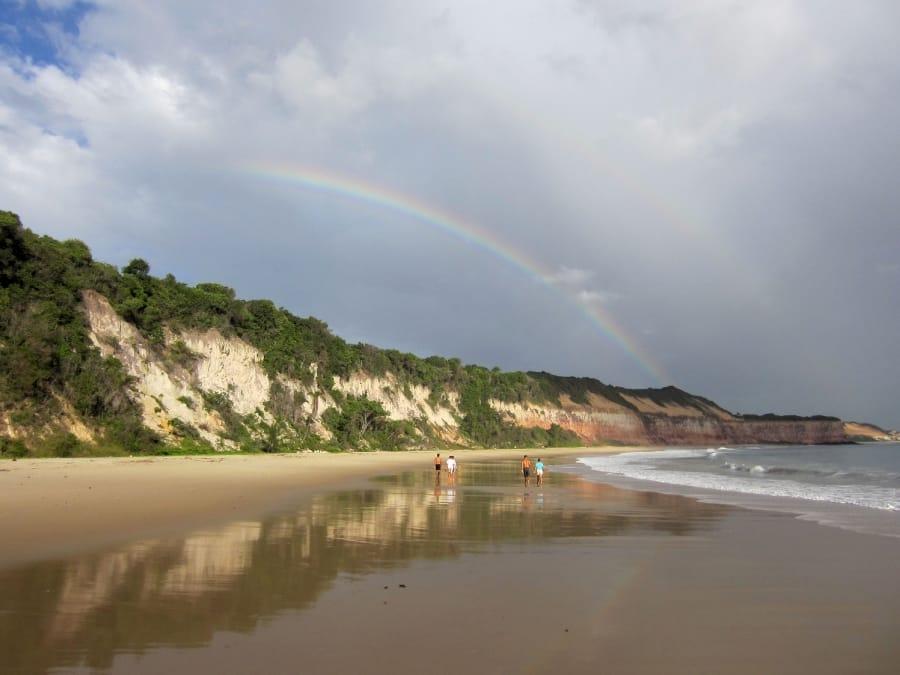 TravelXL-van-Limburg-BRAZILIE-Baia-dos-Golfinhos-regenboog