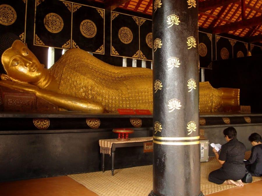 TravelXL-van-Limburg-THAILAND-ChiangMai-liggende-boeddha