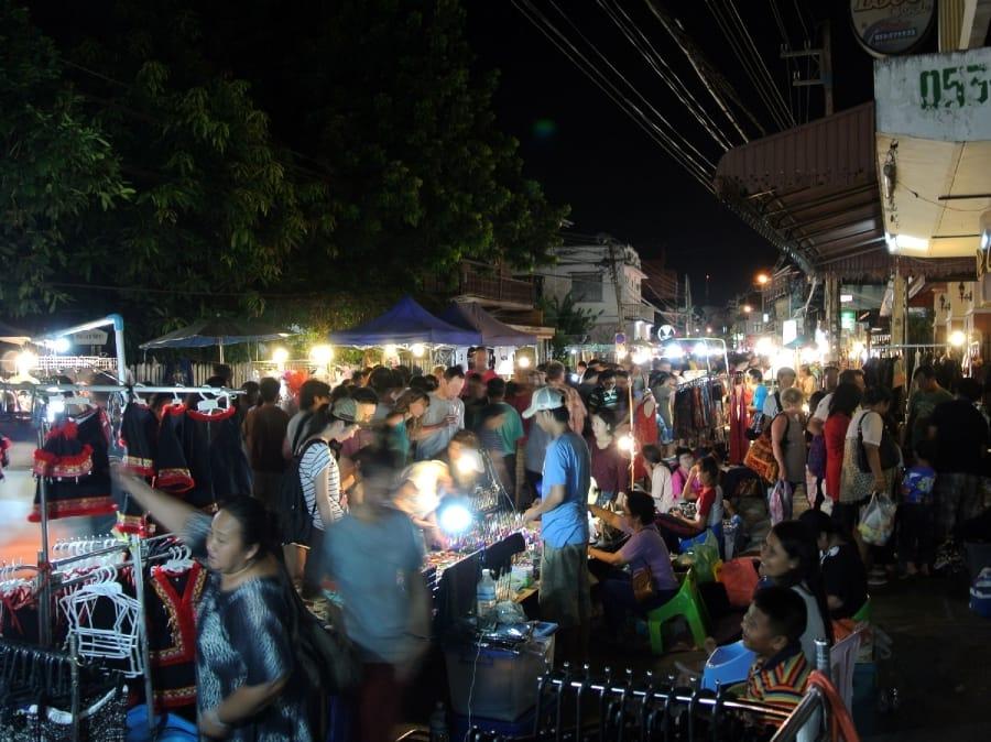 TravelXL-van-Limburg-THAILAND-ChiangMai-nachtmarkt-plein