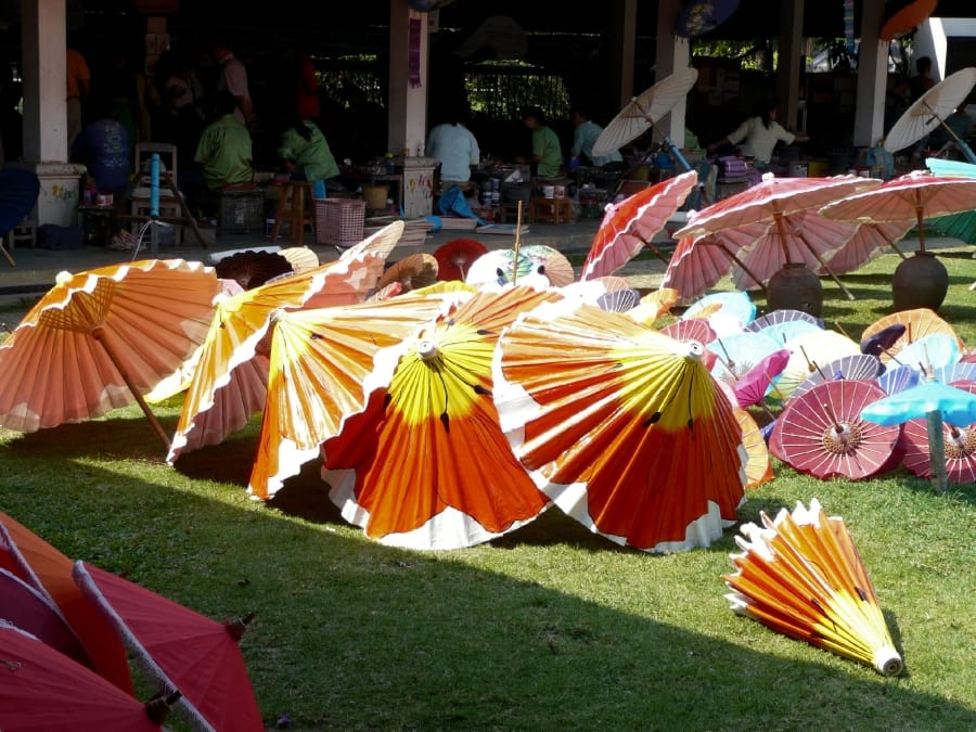 TravelXL-van-Limburg-THAILAND-ChiangMai-parasols