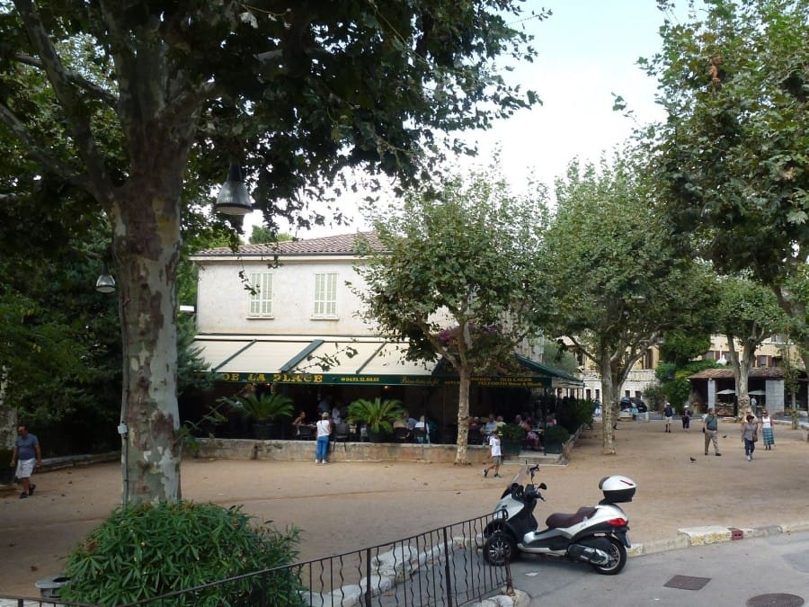 TravelXL-van-Limburg-Provence-StPauldeVence-petanque