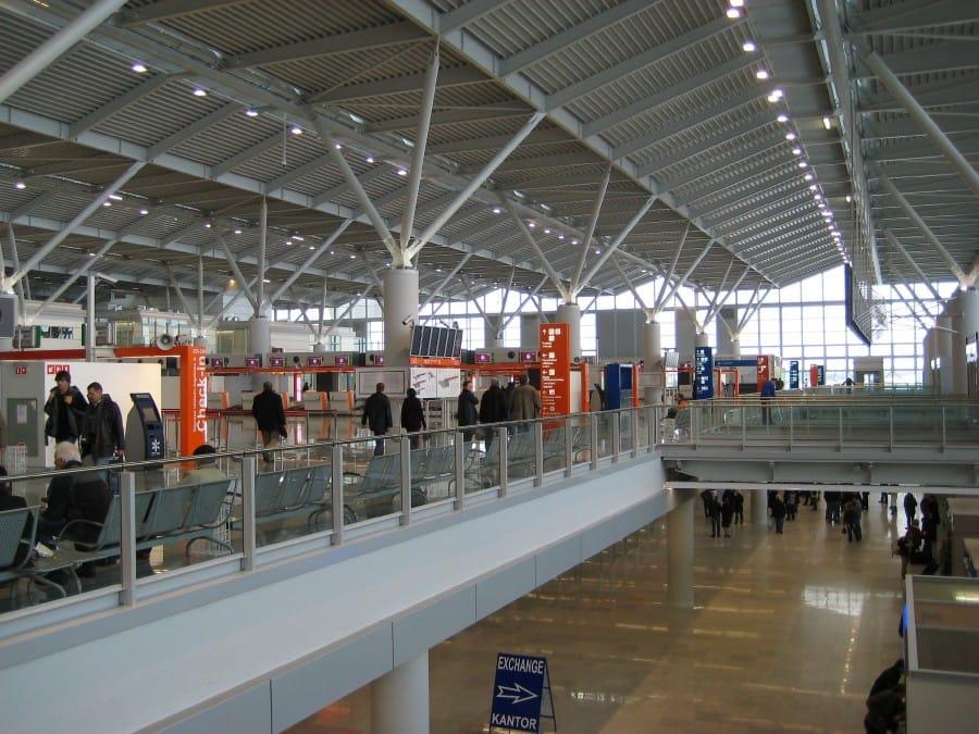 TravelXL-van-Limburg-WARSCHAU-luchthaven