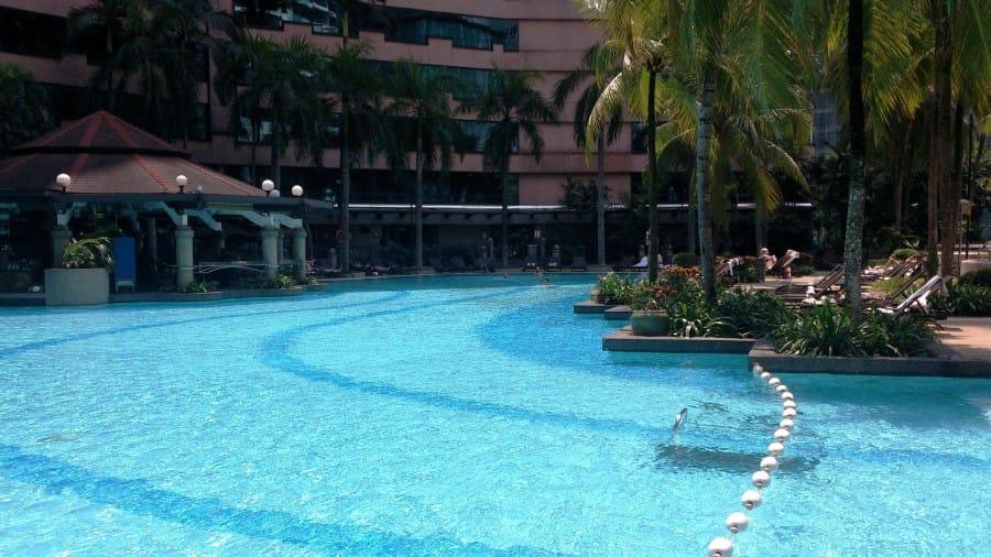 TravelXL-van-Limburg-MALEISIE-Kuala-Lumpur-zwembad