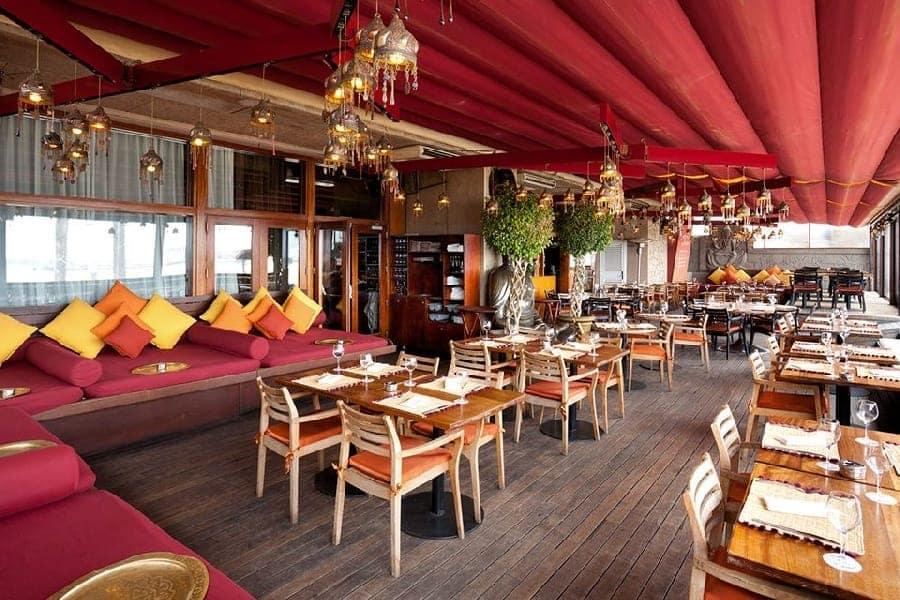 TravelXL-van-Limburg-BARCELONA-CDLC-lounge