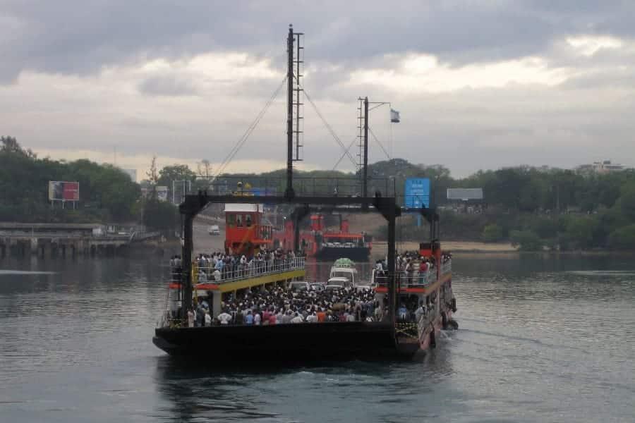 TravelXL-van-Limburg-KENIA-Mombasa-ferry