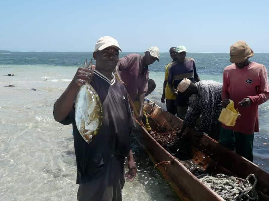TravelXL-van-Limburg-KENIA-Shimoni-vissers