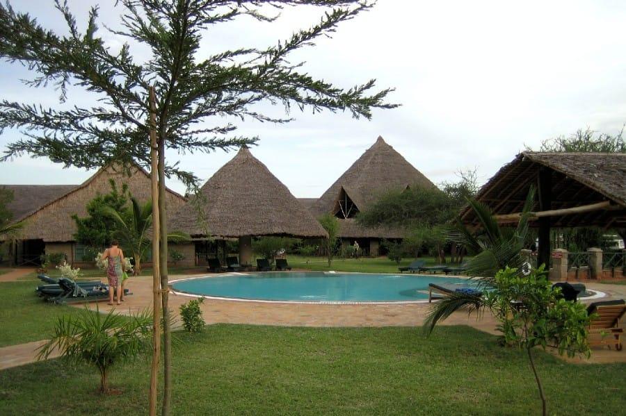 TravelXL-van-Limburg-KENIA-lodge-zwembad