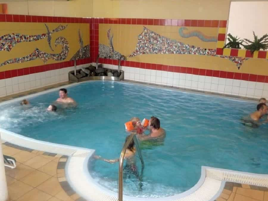 TravelXL-van-Limburg-FENDELS-zwembad