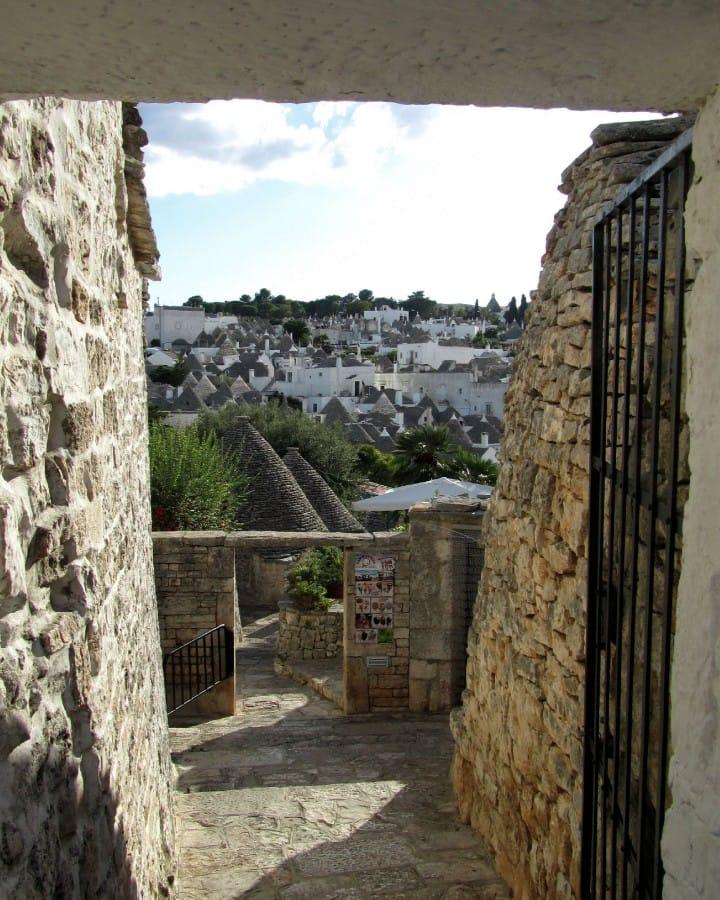 TravelXL-van-Limburg-PUGLIA-Alberobello-uitzicht