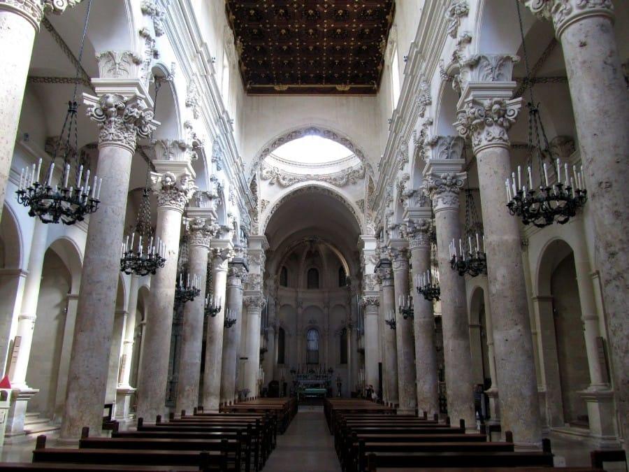 TravelXL-van-Limburg-PUGLIA-kerk