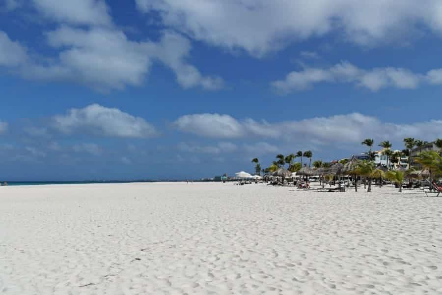 TravelXL-van-Limburg-ARUBA-Eagle-Beach