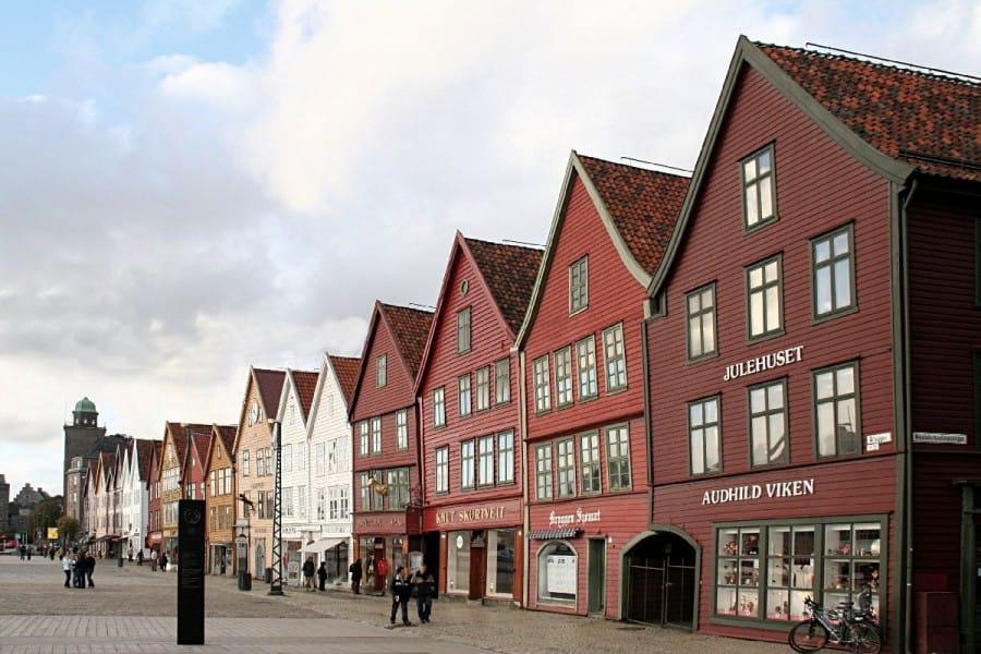 TravelXL-van-Limburg-COSTA-LUMINOSA-Bergen-Bryggen