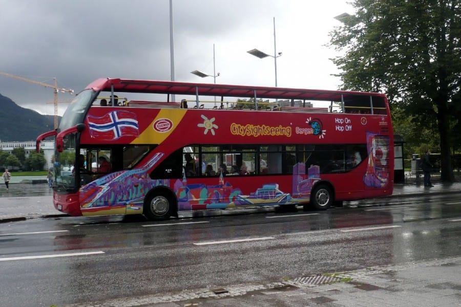 TravelXL-van-Limburg-COSTA-LUMINOSA-Bergen-hop-on-hop-of-bus