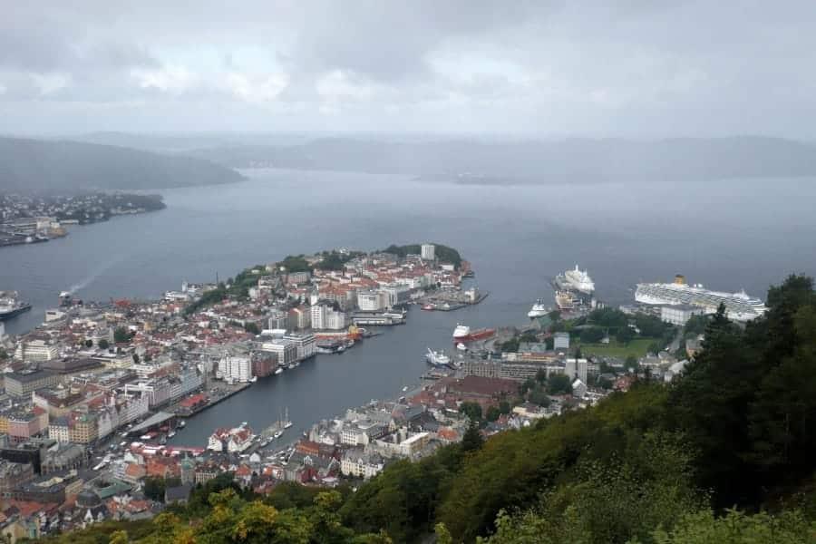 TravelXL-van-Limburg-COSTA-LUMINOSA-Bergen-uitzicht