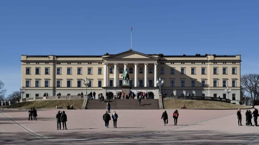 TravelXL-van-Limburg-COSTA-LUMINOSA-Oslo-paleis