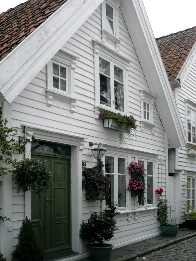 TravelXL-van-Limburg-COSTA-LUMINOSA-Stavanger-wit-houten-huisje