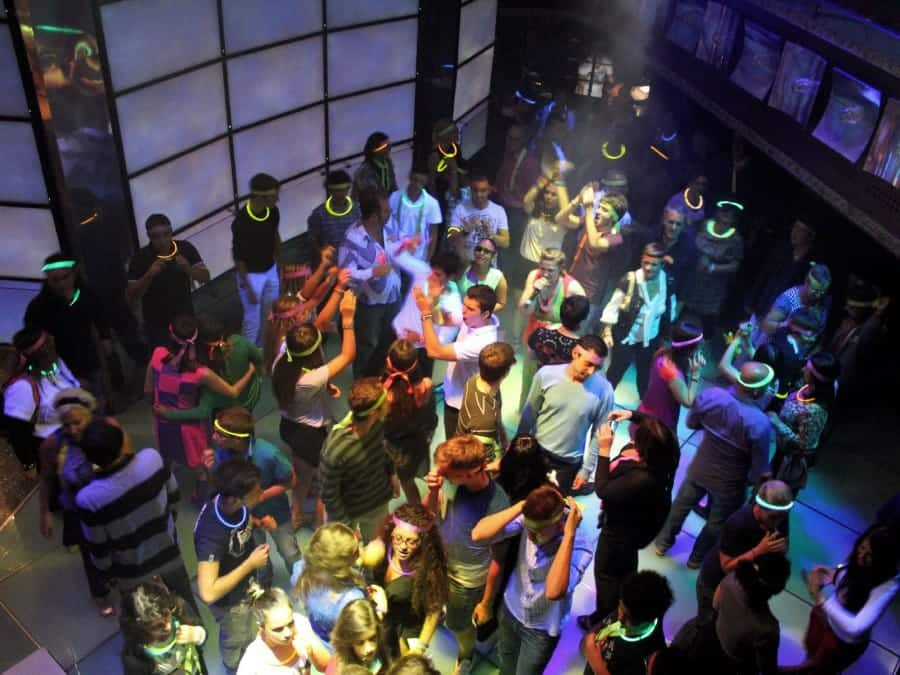TravelXL-van-Limburg-COSTA-LUMINOSA-disco