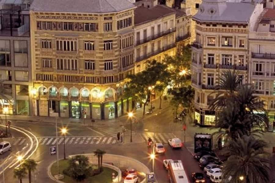 TravelXL-van-Limburg-VALENCIA-uitzicht-hotelkamer