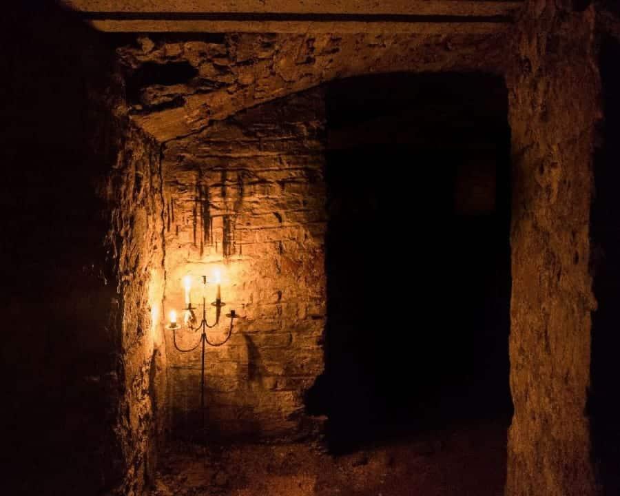 TravelXL-van-Limburg-EDINBURGH-vaults
