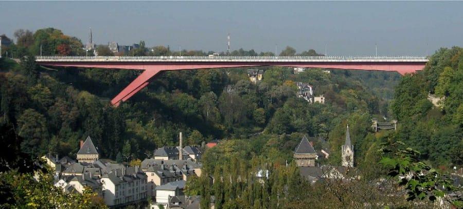 TravelXL-van-Limburg-LUXEMBURG-Grand-Duchess-Charlotte-brug