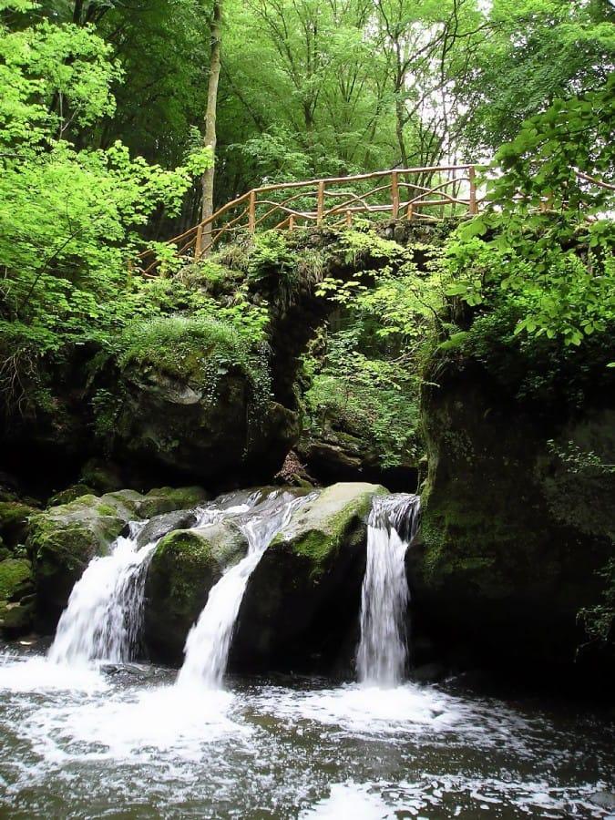 TravelXL-van-Limburg-LUXEMBURG-Mullerthal-waterval