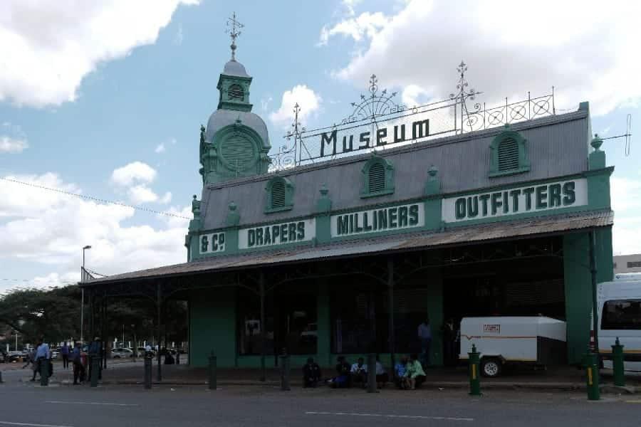 TravelXL-van-Limburg-LIMPOPO-Hugh-Exton-Photographic-Museum