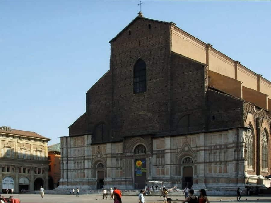TravelXL-van-Limburg-FLORENCE-Bologna-San-Petronius-basiliek