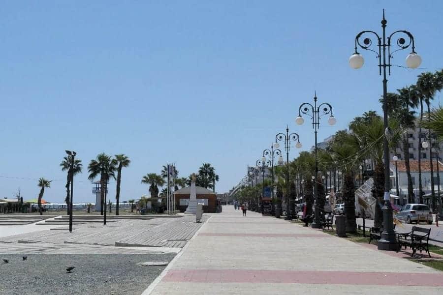 TravelXL-van-Limburg-CYPRUS-Larnaka-boulevard