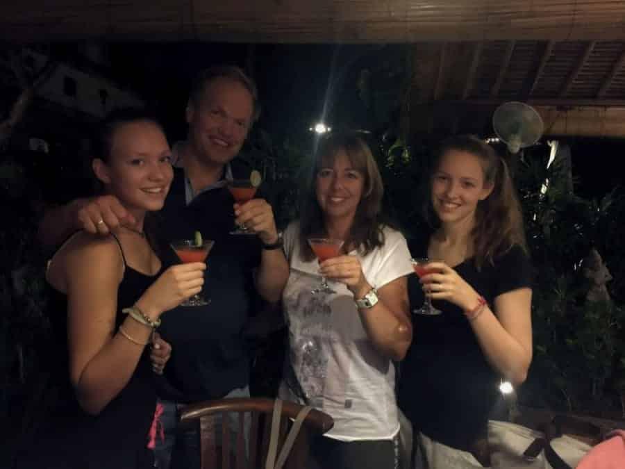 TravelXL-van-Limburg-BALI-wij-aan-cocktail
