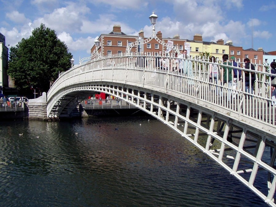 TravelXL-van-Limburg-Dublin-half-penny-bridge