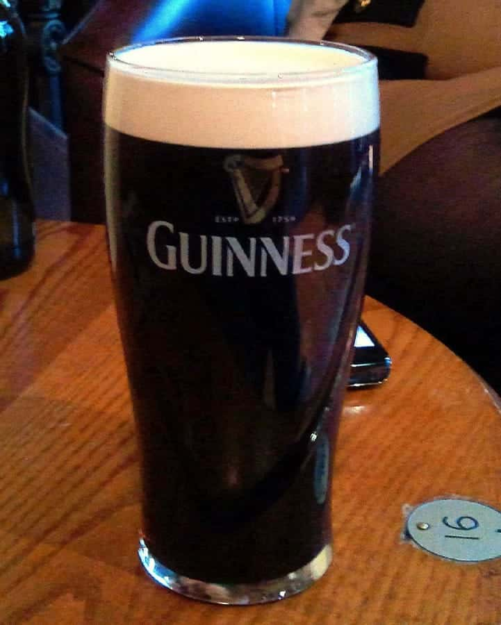 TravelXL-van-Limburg-Dublin-glas-guinness