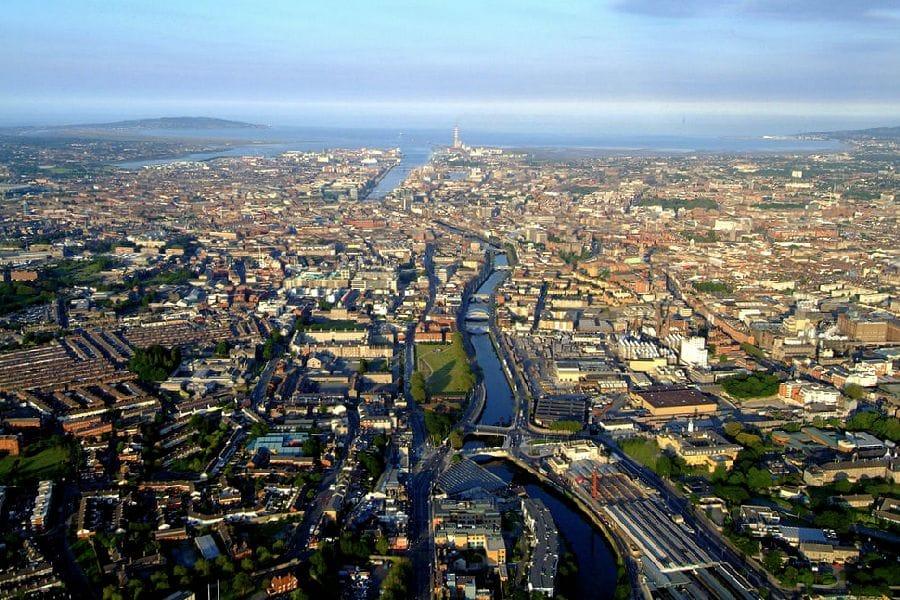 TravelXL-van-Limburg-Dublin-vanuit-de-lucht
