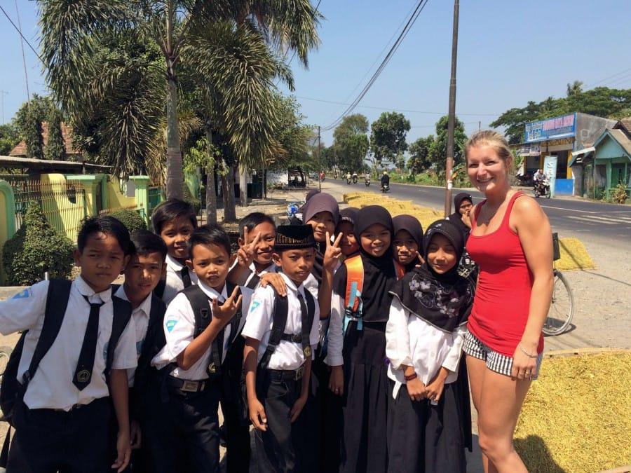 travelxl-van-limburg-java-schoolkinderen