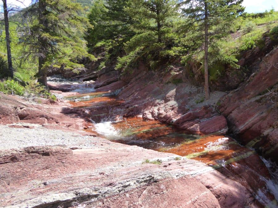 travelxl-van-limburg-canada-rood-gesteente