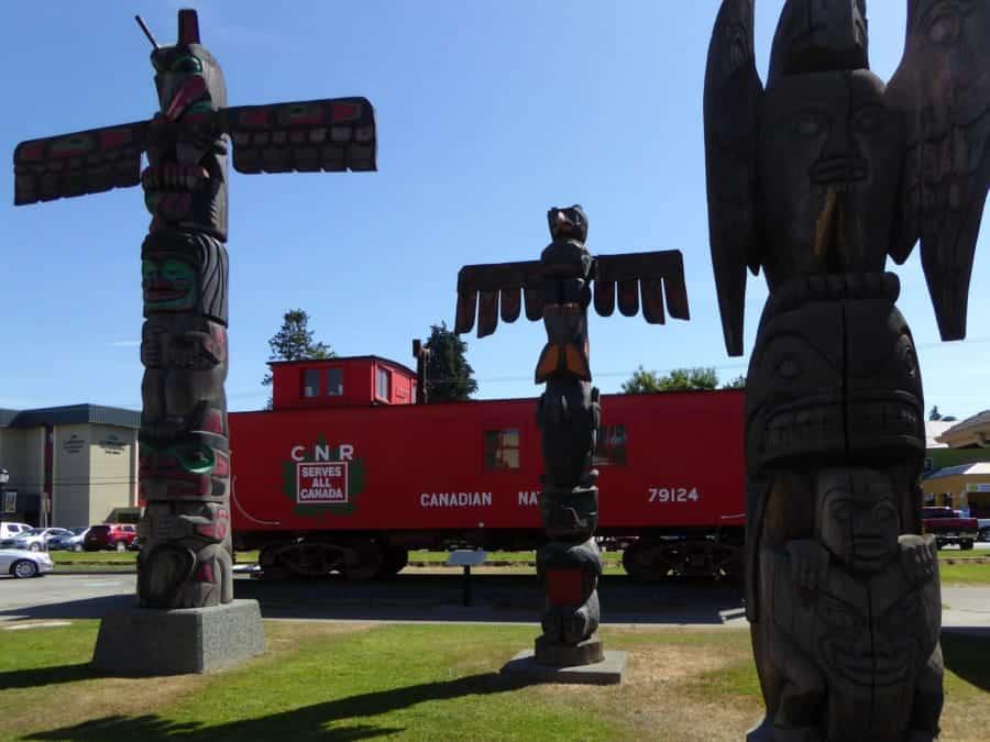 travelxl-van-limburg-canada-totempalen