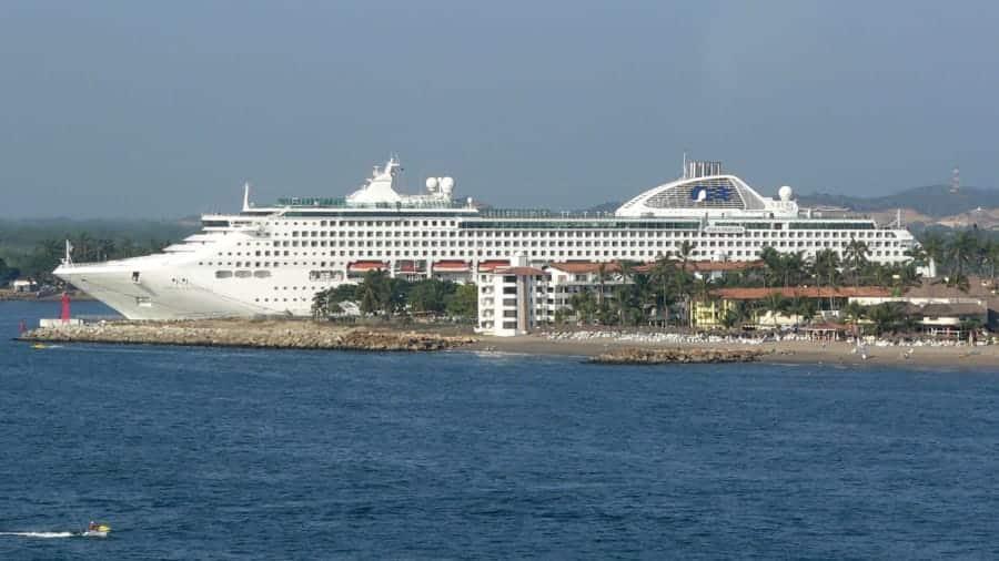 travelxl-van-limburg-puerto-vallarta-cruiseschip