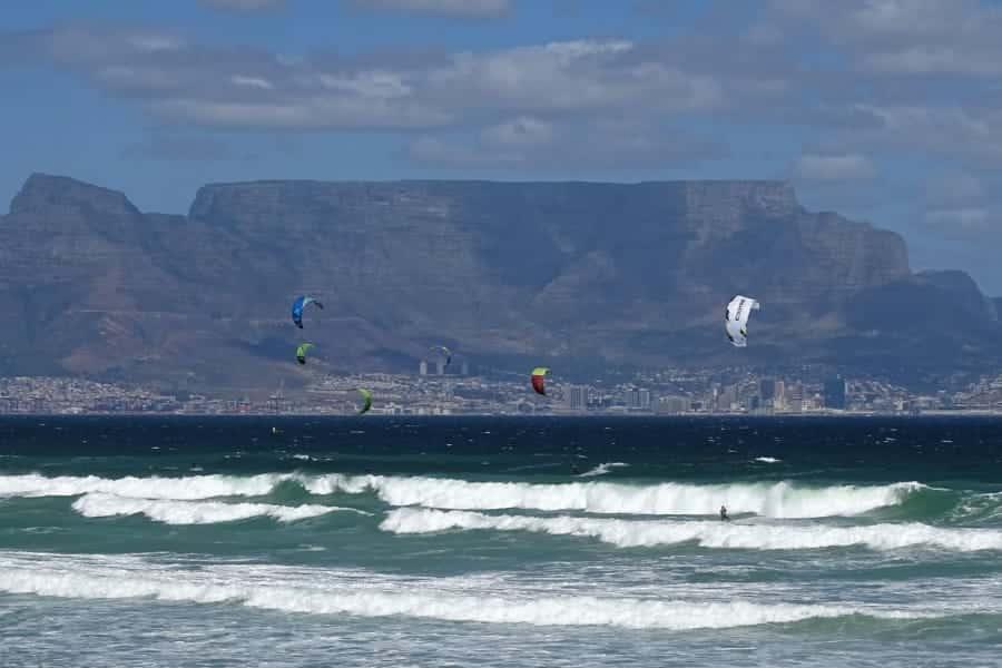 travelxl-van-limburg-zuid-afrika-kaapstad-kitesurfers